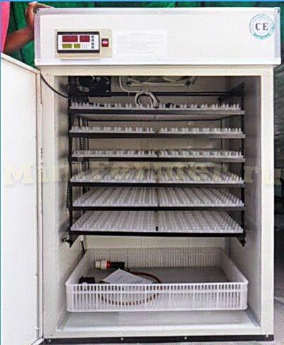 Заводской китайский инкубатор на данном контроллере