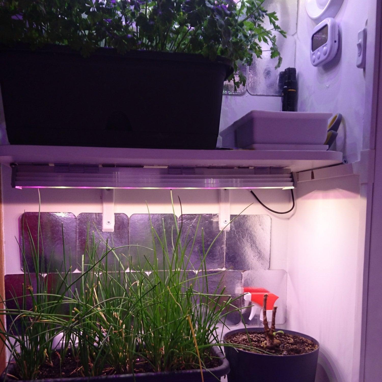 Фитолампа линейная для растений MiniFermer 15 Ватт_40 см 9 led. Спектр на выбор.