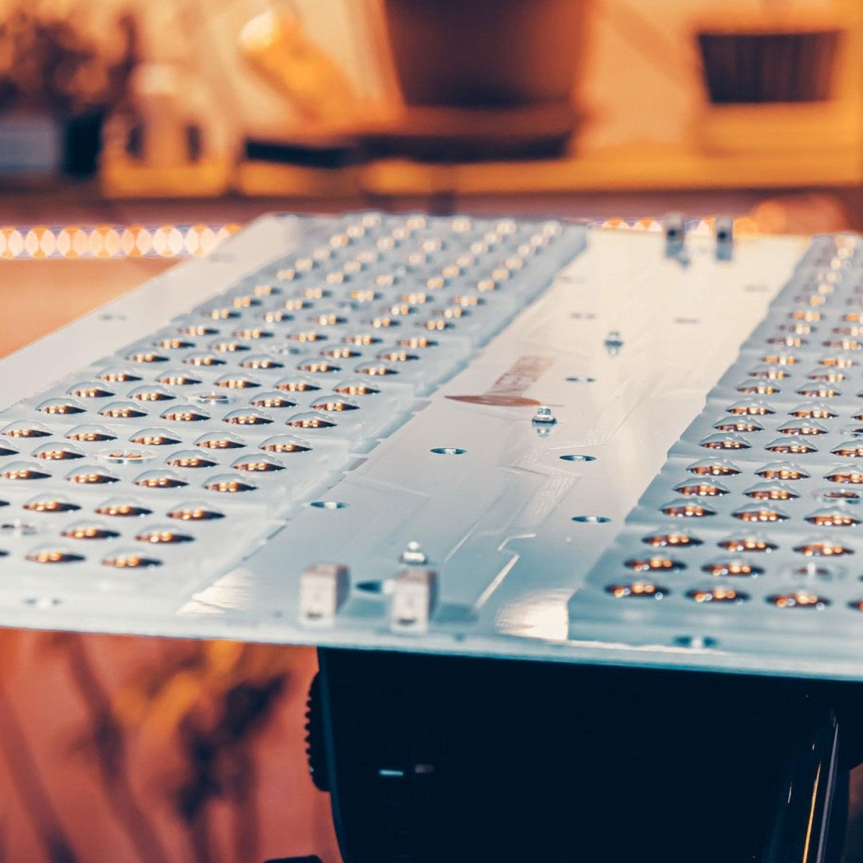 1.13 Quantum board 180 х 390 Samsung lm301b 2700K+ Samsung lm301b 4000K + Samsung lh351h 660nm