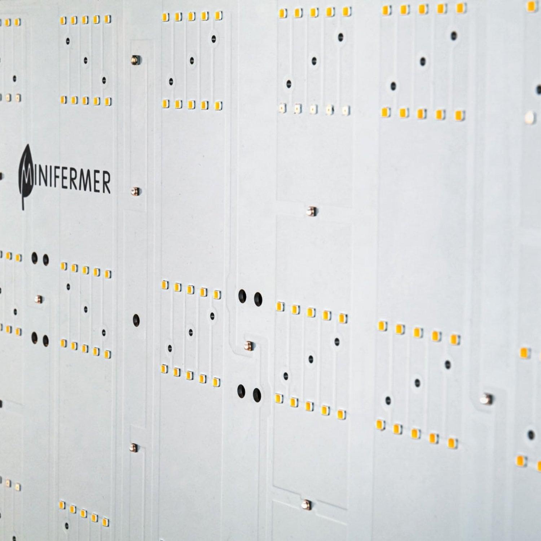 Готовый Quantum board 58*28 120 Ватт с диммируемым драйвером