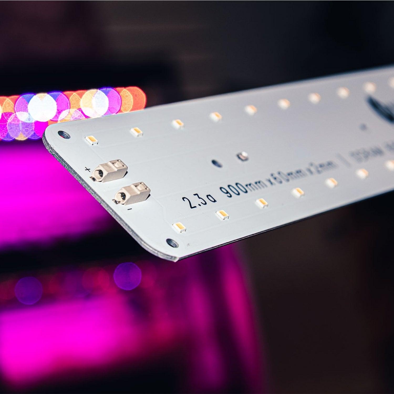 Цветонос 2.3.a 3000K + 660nm Quantum line 900 мм