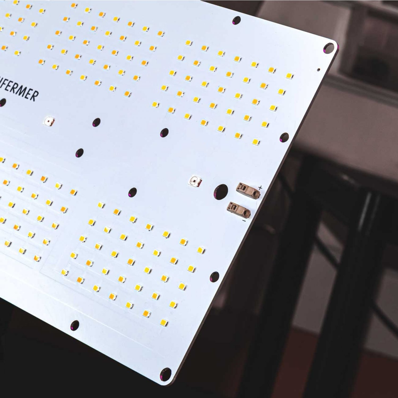 Уценка 1.9.1 Quantum board 180 х 390 Samsung 2835 lm281b+pro 3000K + SMD 5050 660nm